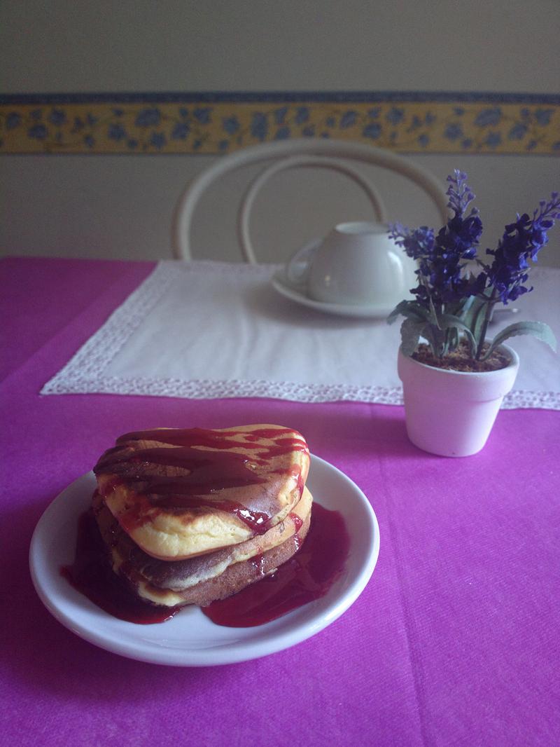 Pancakes a forma di cuore ai cranberries