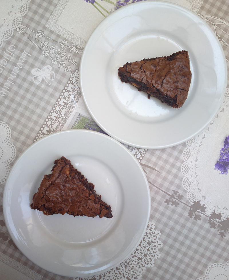 Torta brownie al caffè cremosa