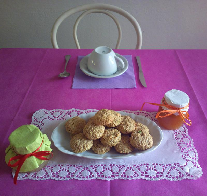 Biscottini ai fiocchi di avena e pistacchi