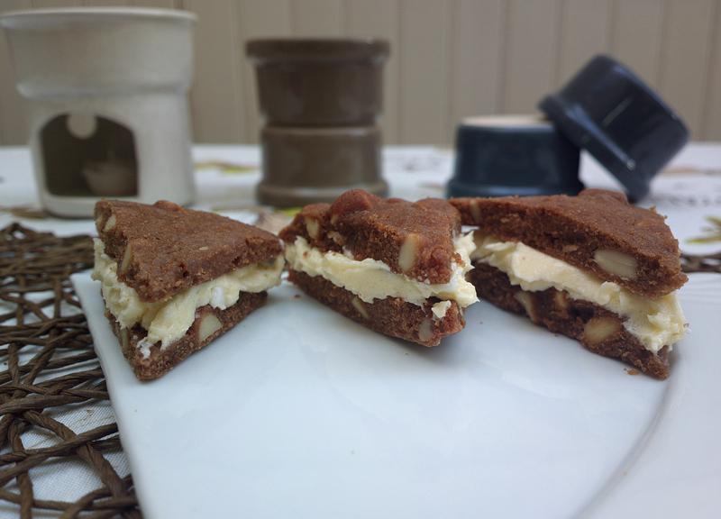 Sandwich di brownies con crema di burro