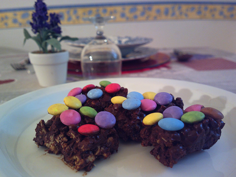 Mini barrette ai cereali, cioccolato e smarties