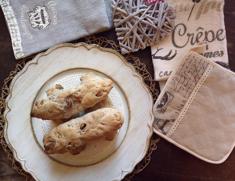 Filoncini rustici di pane alle noci