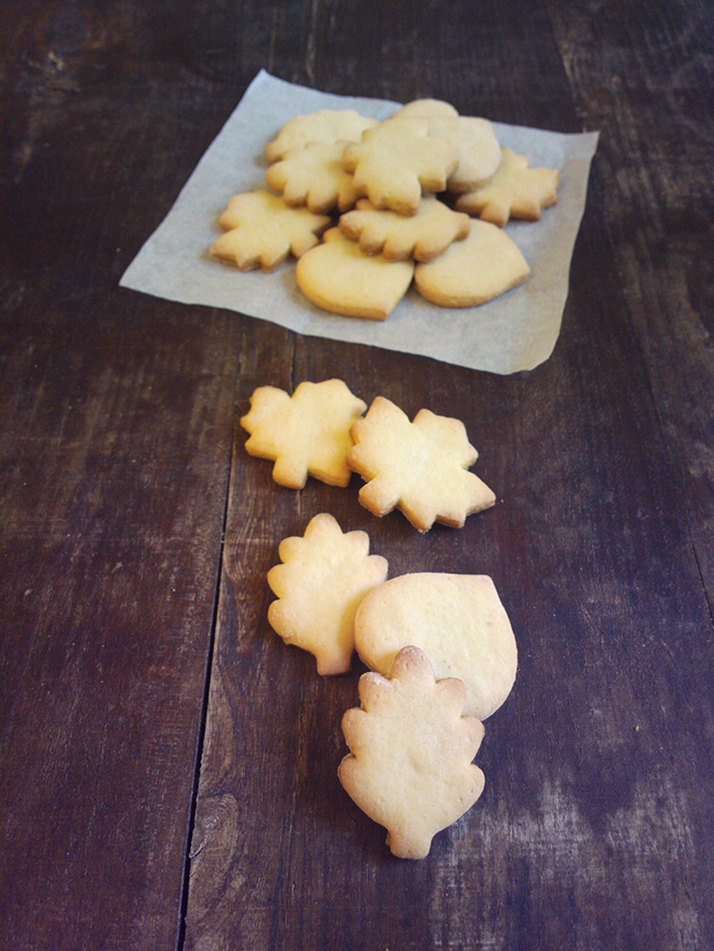 Biscottini degli elfi a forma di foglia