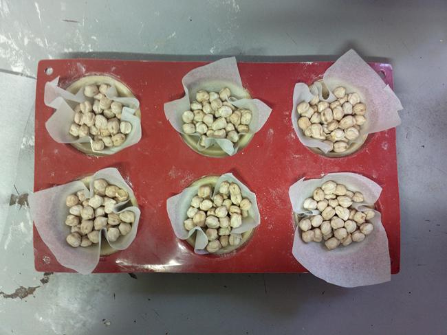Barchette di brisè con Philadelphia, cotto e semi di zucca