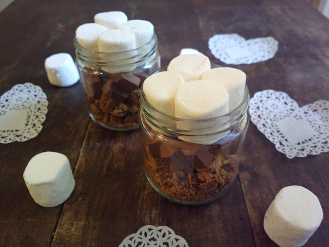 S'more in a jar - dolcetti di marshmallow al microonde