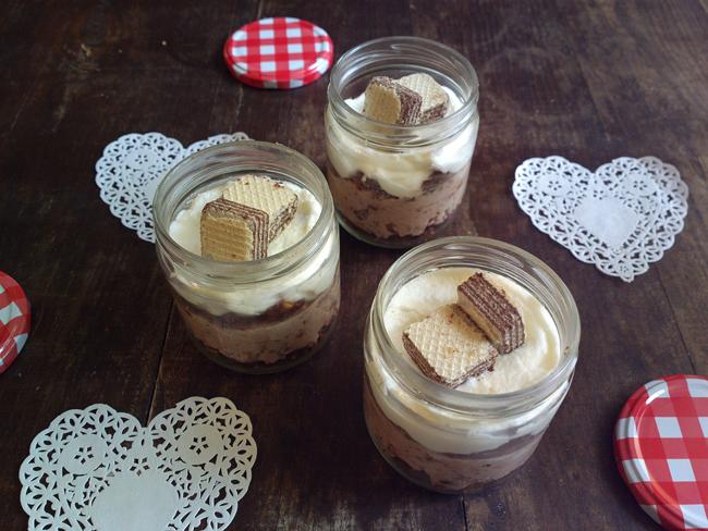 Mini cheesecake in barattolo ai wafer