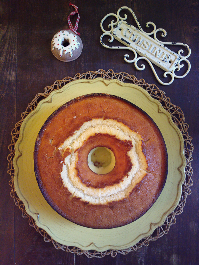 Ciambella bianca agli albumi con crema pasticcera - ricetta antispreco