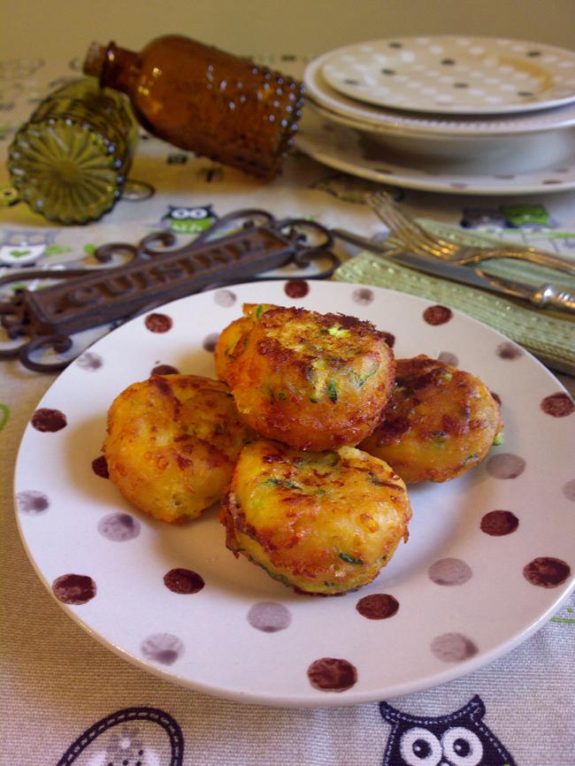 Frittelline di zucchine di mia mamma | Un dolce al giorno...