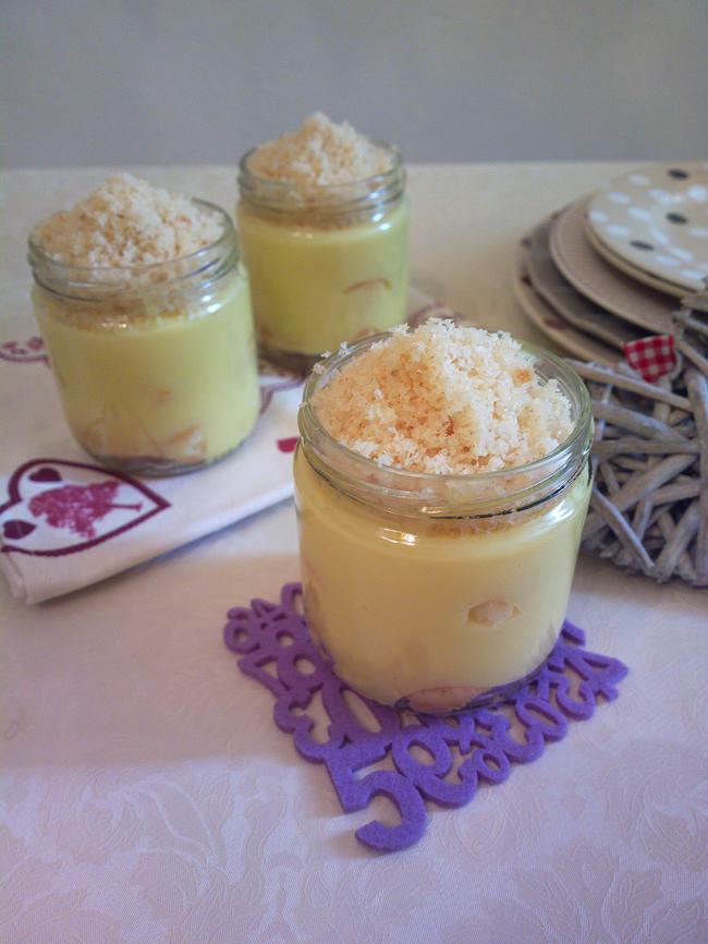 Barattolini con crema e cocco tostato