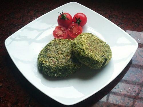 Burger di quinoa e spinaci vegan