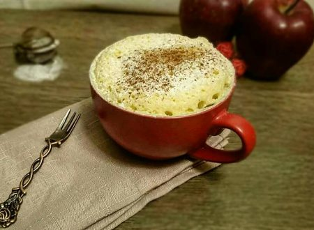 Mugcake alla mela senza glutine e senza lattosio