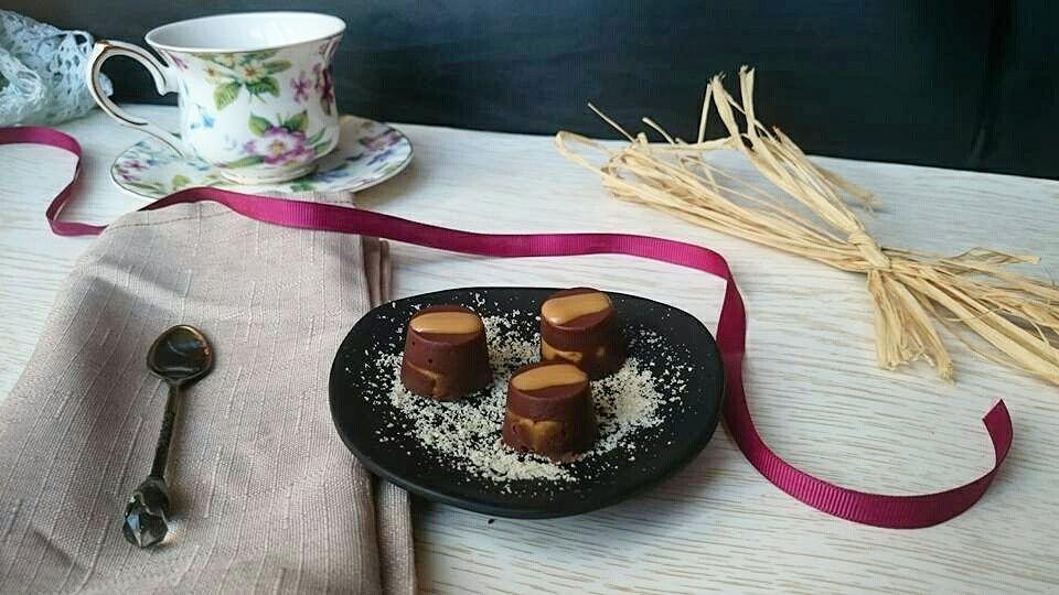 Cioccolatini ripieni di crema di mandorle