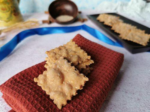 Crackers al sesamo senza glutine senza lattosio e lievito