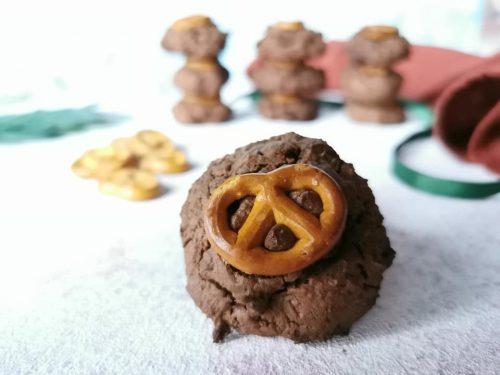 Cookies pretzel e cioccolato senza glutine senza lattosio