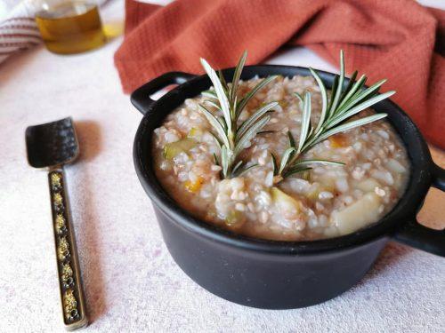Zuppa al grano saraceno vegana
