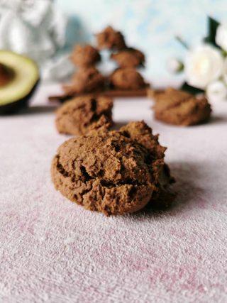 Biscotti avocado e cioccolato senza glutine senza lattosio