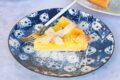 Crostata con crema allo zafferano e pinoli