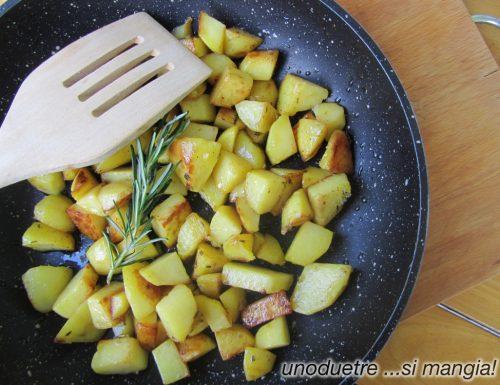 Patate saporite al rosmarino in padella