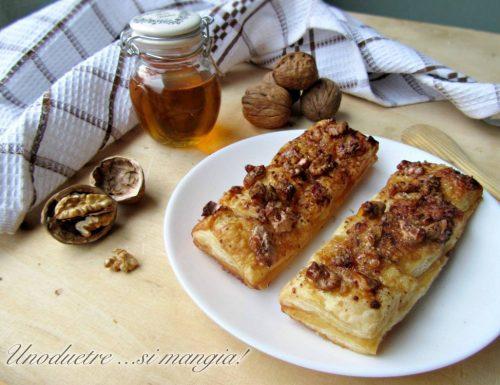 Trancini dolci di pasta sfoglia e noci