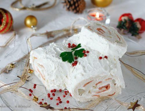 Tronchetto di Natale salato al salmone, stracciatella e carciofini