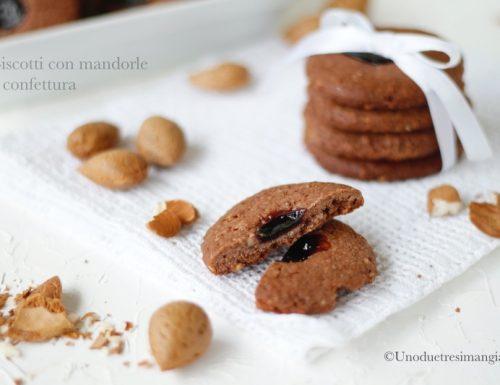 Biscotti con mandorle e confettura