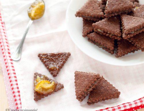 Triangoli al cacao, biscotti con farina integrale