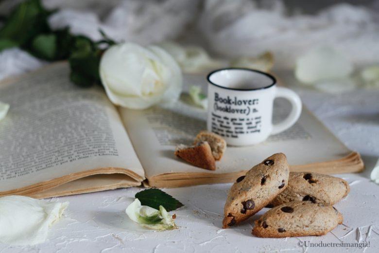 Biscotti di grano saraceno con gocce di cioccolato