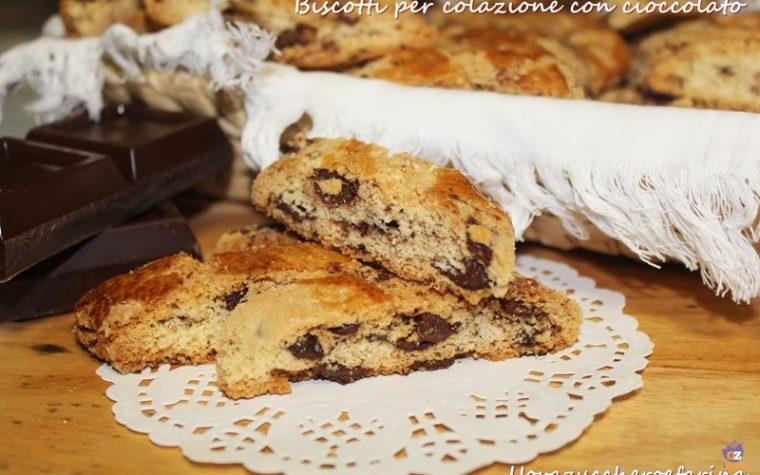 Biscotti per colazione con cioccolato