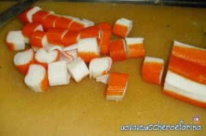 pasta fredda con gamberetti e surimi 06