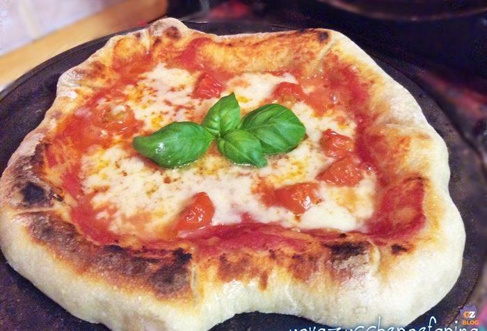 Pizza con il cornicione ripieno