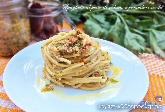 spaghetti al pesto di sedano e pomodori secchi