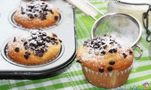 Muffins con gocce di cioccolato dentro e fuori