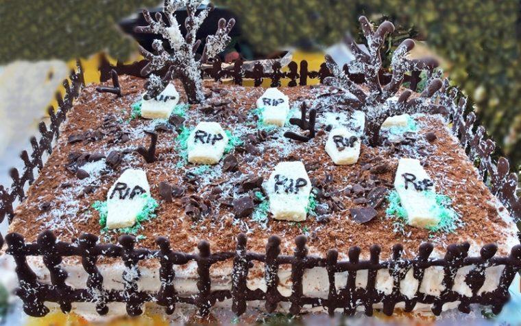 Torta per Halloween: torta cimitero