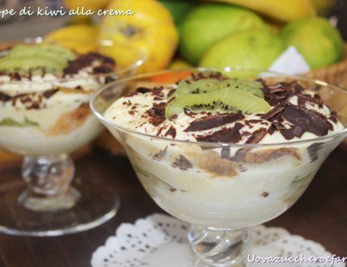 Coppe di kiwi alla crema