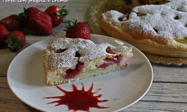 Torta con fragole e crema