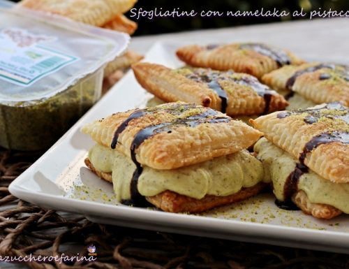 Sfogliatine con namelaka al pistacchio