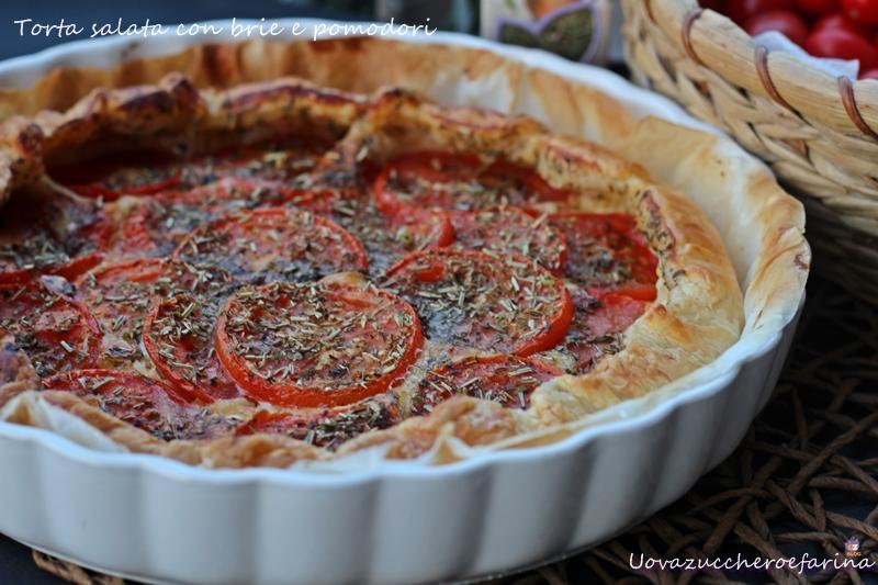 Torta salata con brie e pomodori