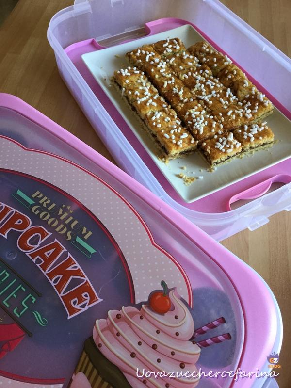 biscotti semplici con la marmellata cupcake holder snips