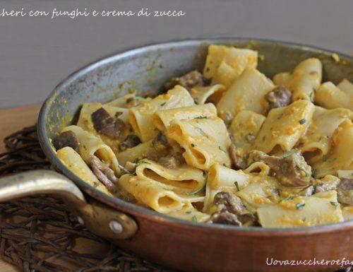 Paccheri con funghi e crema di zucca