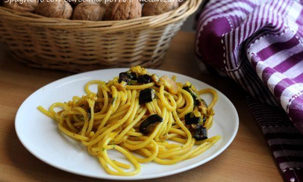 Spaghetti con curcuma porri e melanzane