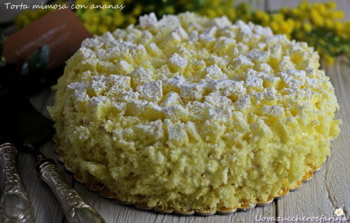Torta mimosa con ananas