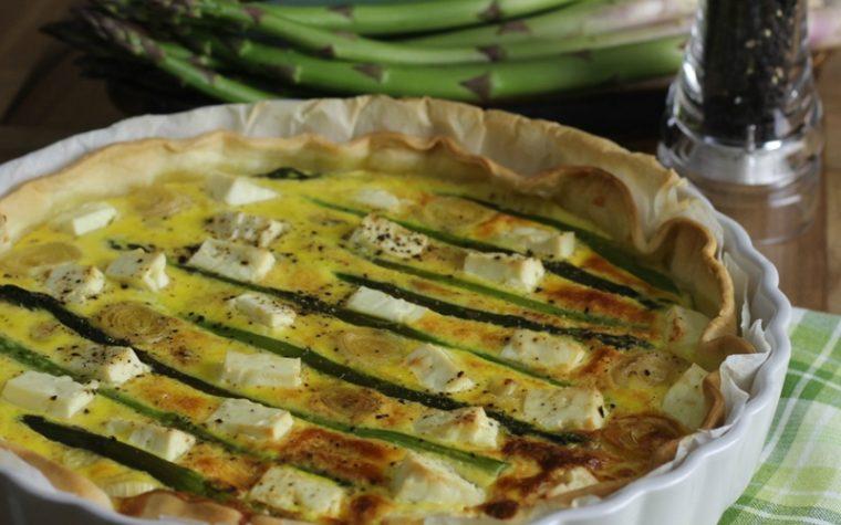 Crostata salata agli asparagi e feta