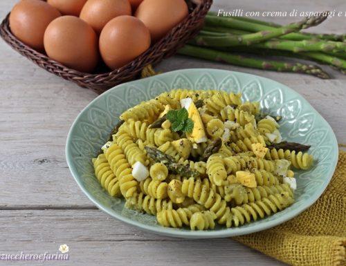 Fusilli con crema di asparagi e uova