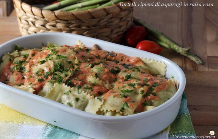 Tortelli ripieni di asparagi in salsa rosa