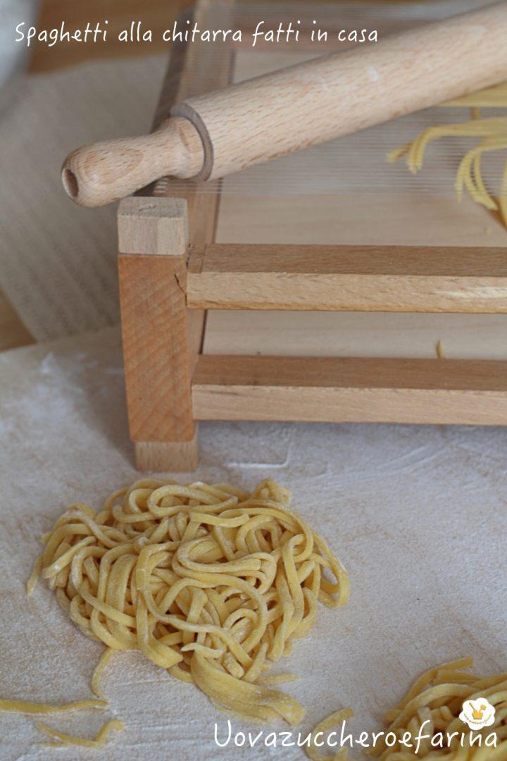 Procedimento come fare spaghetti fatti casa telaio legno frassino