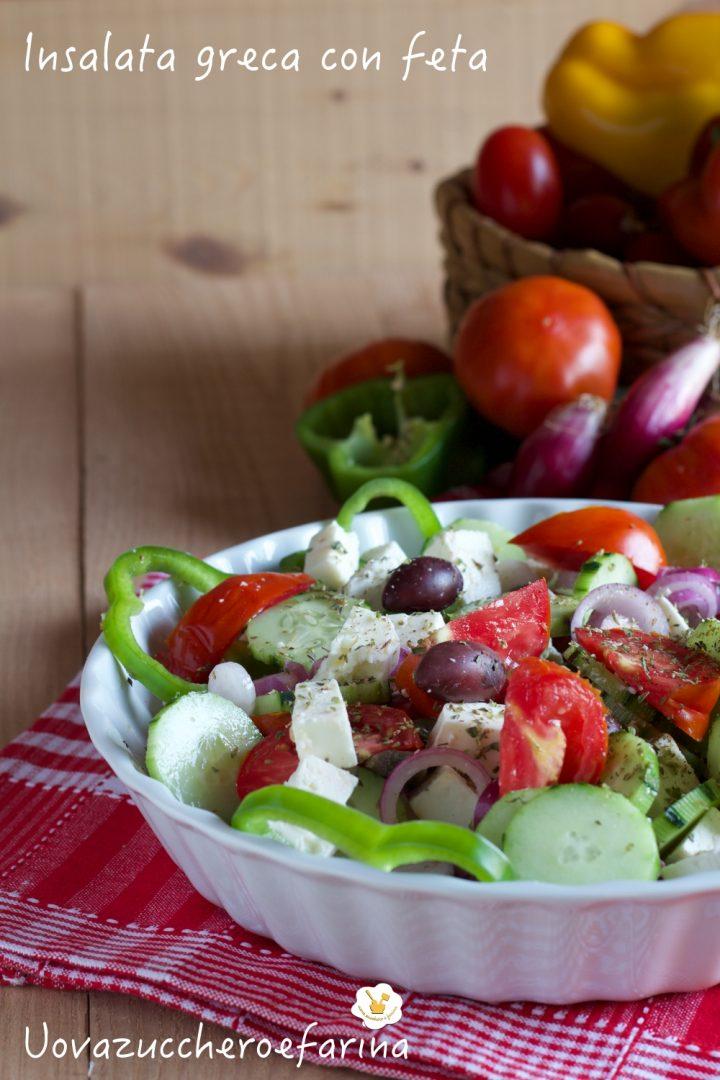 insalata greca con feta pomodori cetrioli