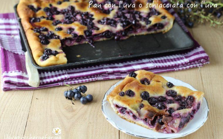 Pan con l'uva o schiacciata con l'uva