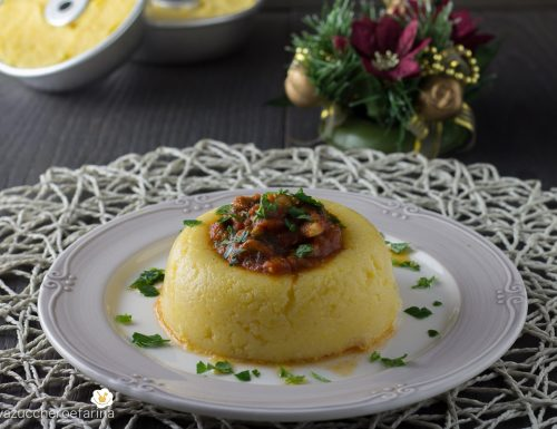 Sformatini di polenta con sugo di vongole surgelate