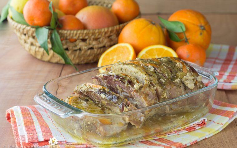 Arista con fette di arancia e prosciutto