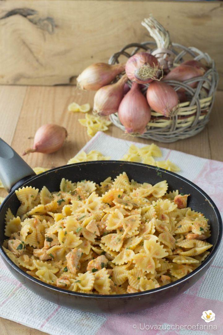 pasta salmone fresco pomodoro